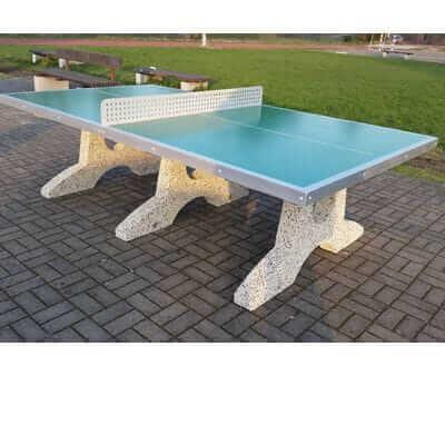 Betonowy stół do gry w tenisa